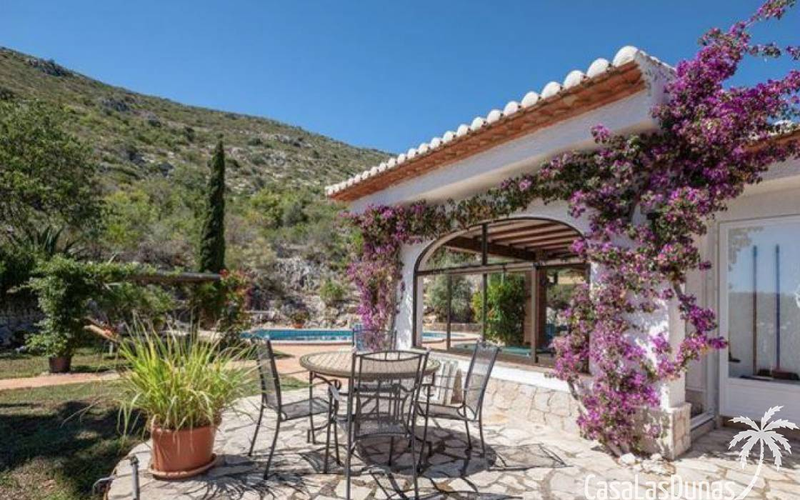 Resale - Finca - Denia