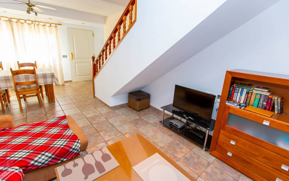 Resale - House - Punta Prima